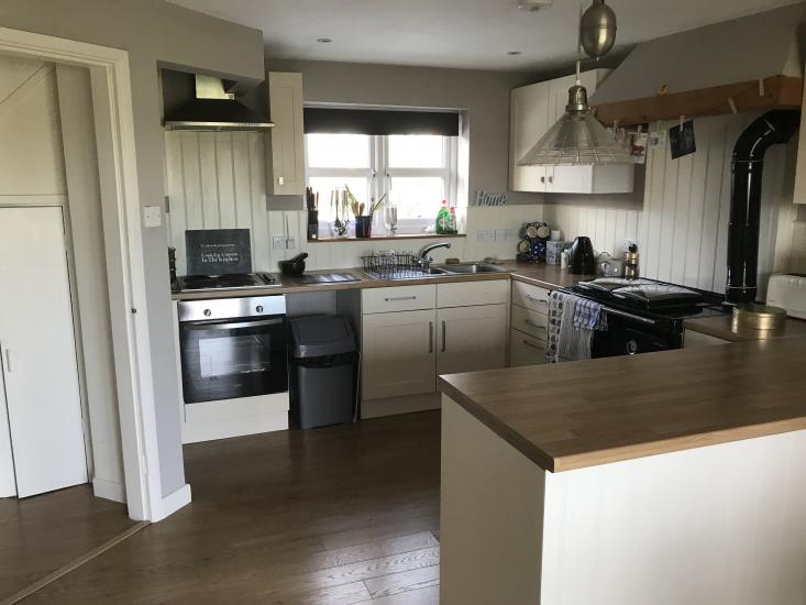 Spacious Double in Village, Nr Bicester, Oxford, Brackley & Buckingham,Bills inc